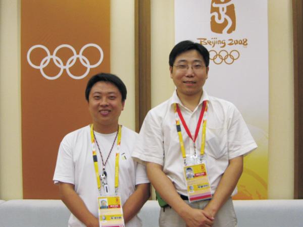 我司郝春总经理与奥运会官员交流合影